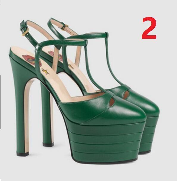 Spiked nuova piattaforma estate gladiatore sandali delle donne a strisce di metallo pompe degli alti talloni Escarpins promenade delle signore scarpe da sposa Scarpe Mary Jane