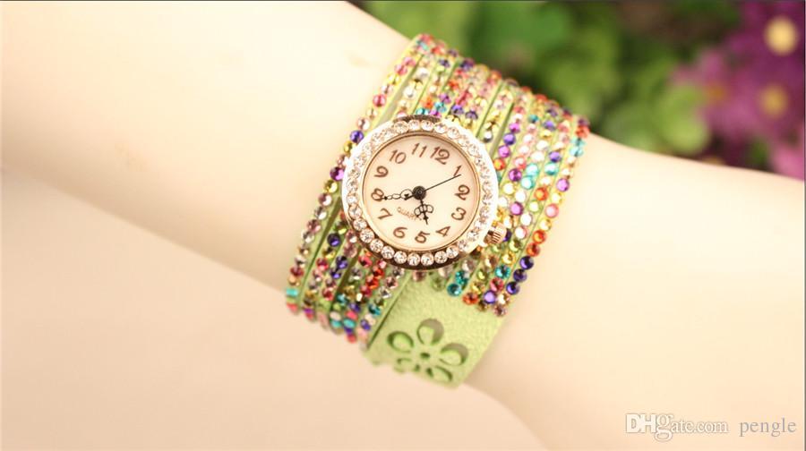Orologi caldi delle donne dell'orologio dell'involucro del velluto della Corea Orologi della signora della vigilanza rotonda dei braccialetti affascinanti del quadrante Orologi Colori della miscela Trasporto libero di goccia