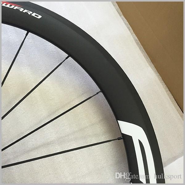 도매 23mm 폭 중국 자전거 바퀴 세트 60mm clincher 탄소 바퀴 100 % T700C 탄소 도로 자전거 탄소 바퀴