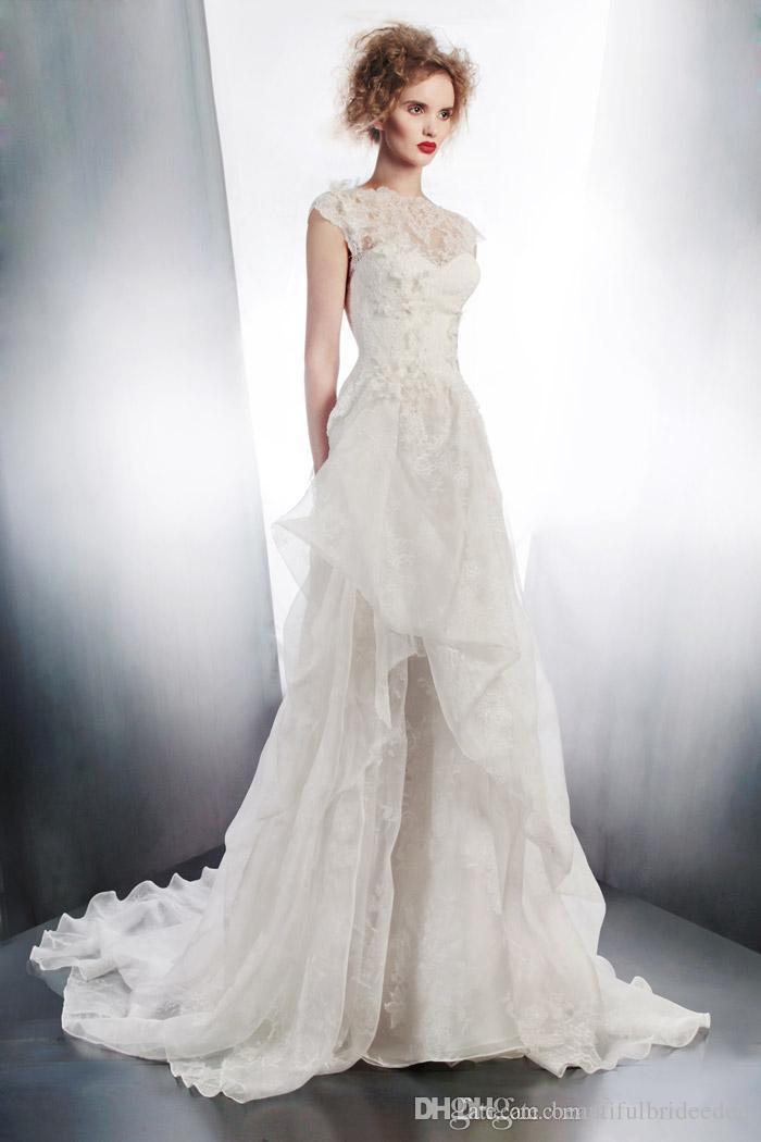 Romântico Lace Branco Vestidos de Casamento 2019 Tripulação Cap Manga Oco Sem Encosto de uma Linha de Vestidos de Noiva Ruched Sweep Train Vestidos De Casamento