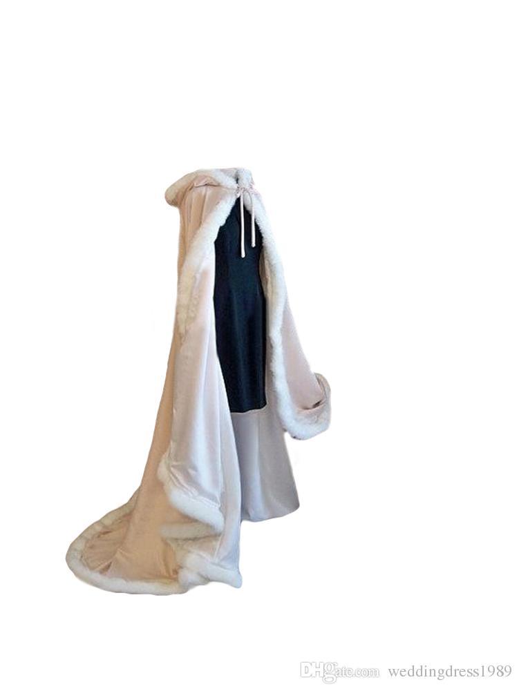 Stunning Autunno Inverno Fur Bridal Coat Wraps Giacche con cappello Cheap 2018 Braccialetti da sposa Warm Newest Matrimonio lungo Mantello Capes Bolero