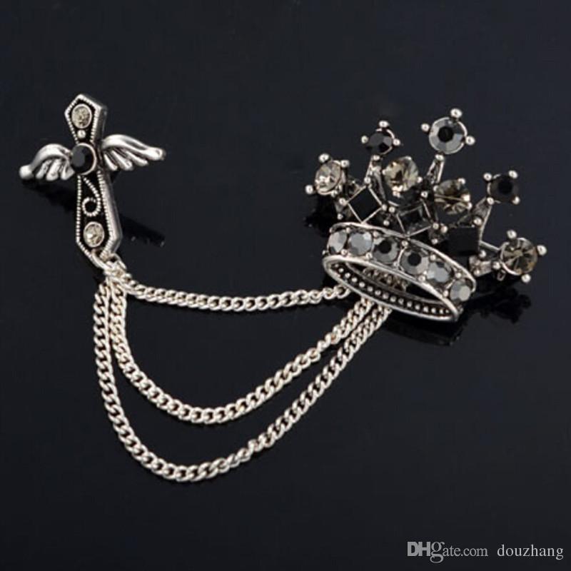 Hommes Broche Alliage Vintage Unisexe Bijoux Crystal Crossal Cross Aile Broche Tassel Pour Femmes Pin Up Broats Broche en gros