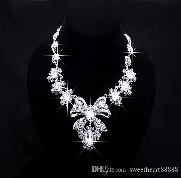 2017 Hot sell New Luxury Rhinestone Necklace Earrings Three-piece Bridal Wedding Tiaras Crown Hair Accessories BOX