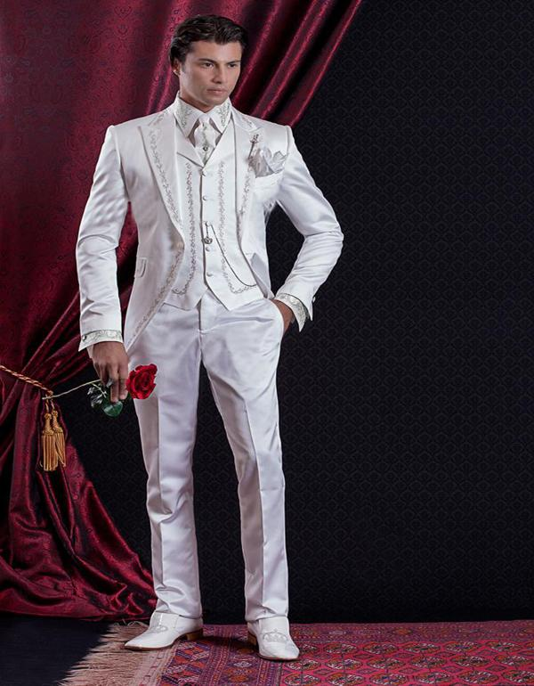 사용자 정의 바로크 스타일 신랑 턱시도 Groomsman 정장 저녁 정장 자수 웨딩을위한 백인 남자 정장 자켓 + 바지 + 조끼 제작