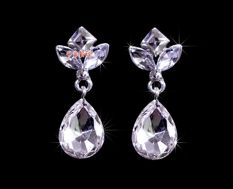 Disponibile 2015 Vintage Strass orecchini nozze mini cristalli insiemi dei monili di nozze accessori a basso costo
