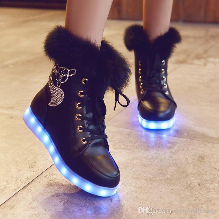 2015 Inverno Grandes Crianças Grande Menina Estudante Sapato Levou Botas de Carga USB 2 Cores Preto Branco Tamanho 35-40