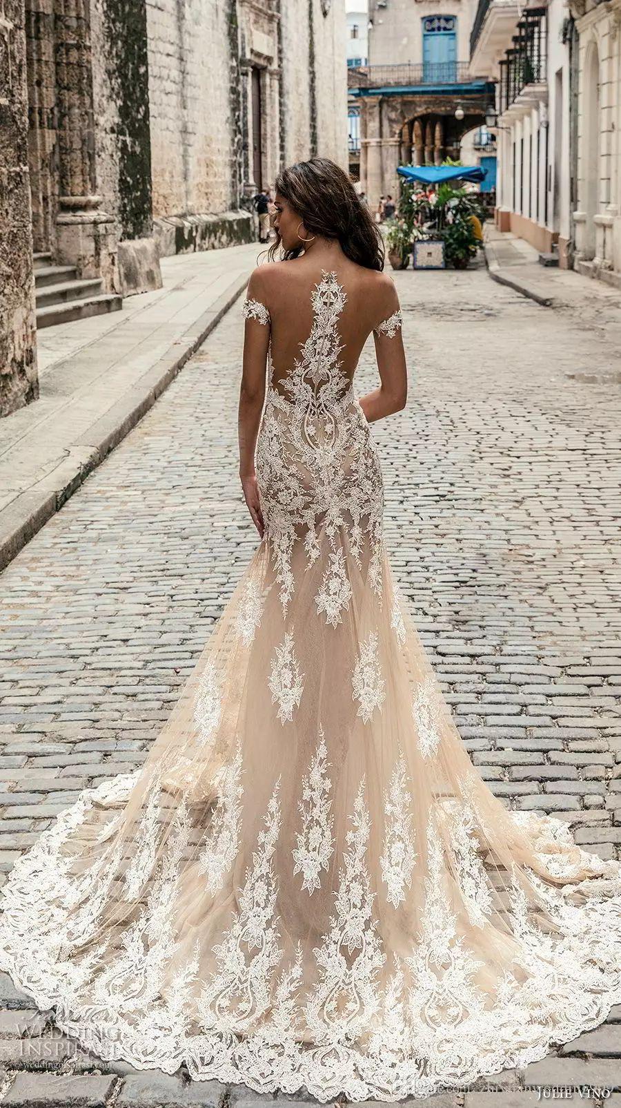 Champagne Julie Vino Brautkleider 2020 weg vom Schulter-Tief Tiefer Ausschnitt Brautkleider Sweep Zug Spitze Brautkleid nach Maß