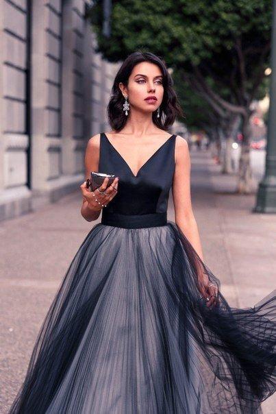 Formelle Noir Tulle Robes De Soirée Élégantes Satin Bretelles Spaghetti V Cou Vintage Long Cut Out Robes De Soirée De Bal Sur Mesure Femmes Robes
