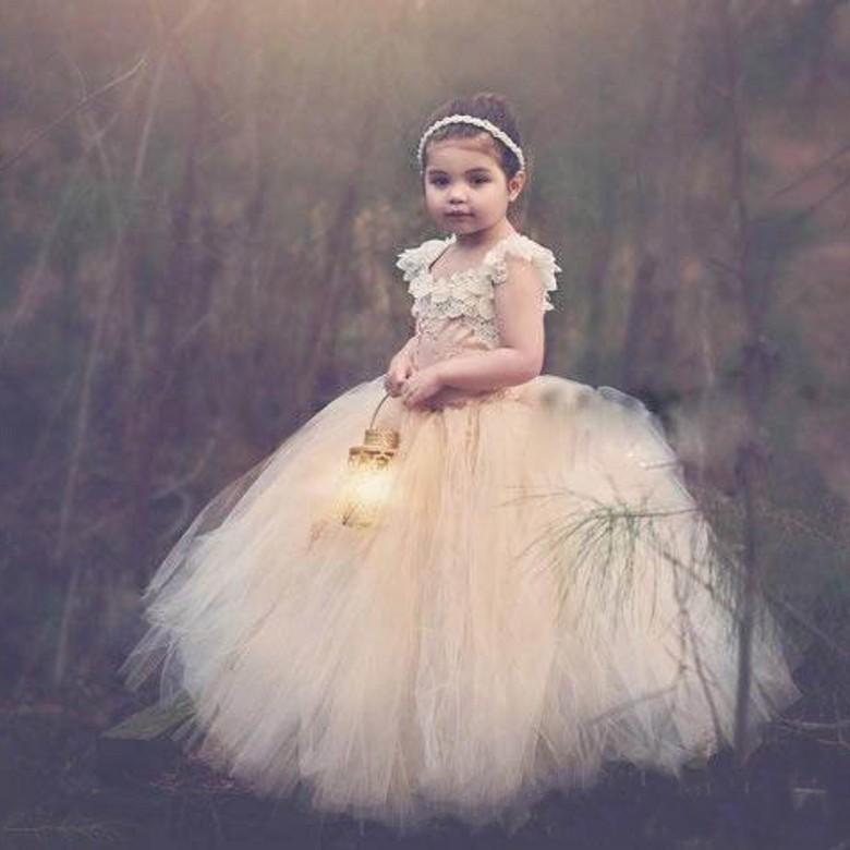 Bonito vestido de baile vestidos de meninas de flor 2016 lace up aberto de volta apliques de renda vestidos de festa de natal crianças como presentes macio tule