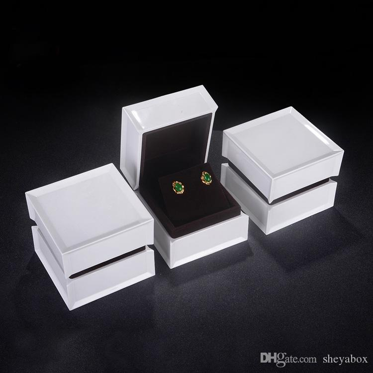 Unique Jewelry Box White Acrylic Luxury Engagement Finger Ring
