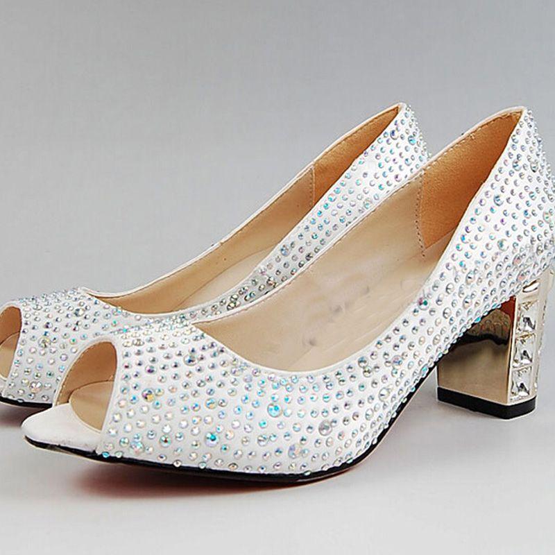 6975193cd Sapatos Para Festas De Casamento Peep Toe Branco De Cetim De Casamento  Sapatos De Strass Chunky Heel Confortável Mulheres Vestido Sapatos De Salto  Alto ...