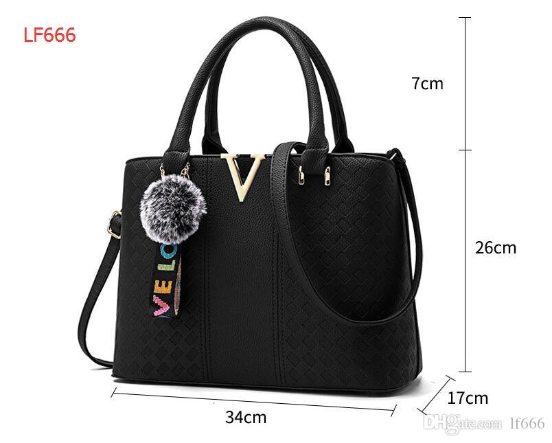 2017 new sweet lady fashion shoulder bag handbag.. High grade PU. V metal sheet.