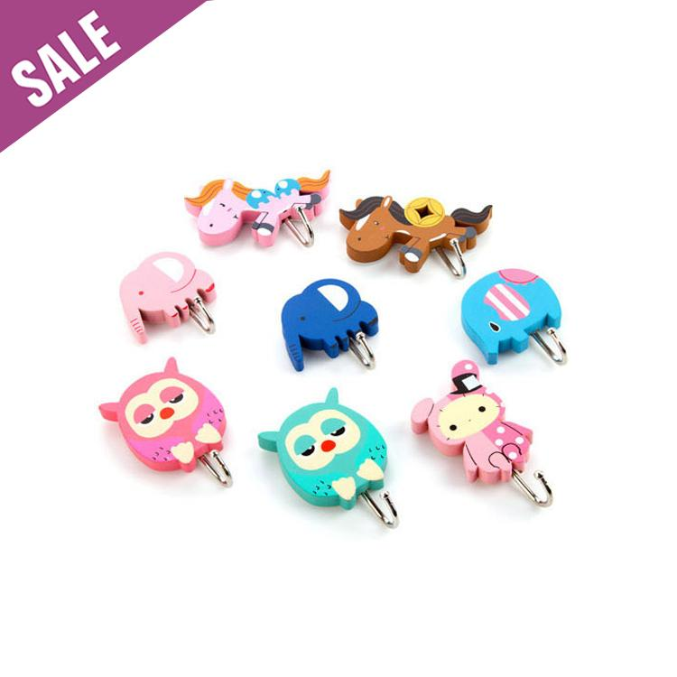 8Pc/lot Cute Kids Wood Bath Towel Hook Strong Adhesive Towel Hooks Wall Decorative  Towel Hooks Fast Shipping(Random)