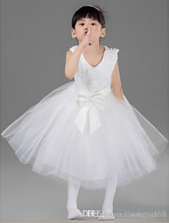 Engagement Party/Formal Evening/Wedding Party/Vacation Dress - White Ball Gown Jewel Knee-length Satin/Tulle