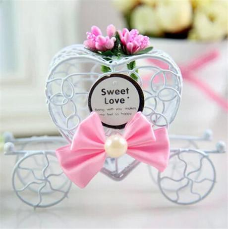Royal Love Carriage Candy Box Wedding Favor Gift Boxes Metal Iron