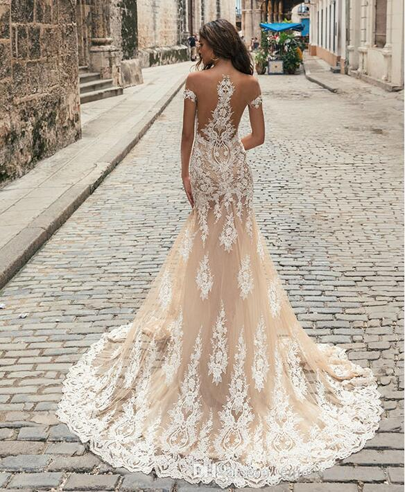 Charming Champagne Sheer Neck Short Sleeves Mermaid Wedding Dresses Country Elegant Sexy Illusion Back Lace Bridal Gowns Berta 2018