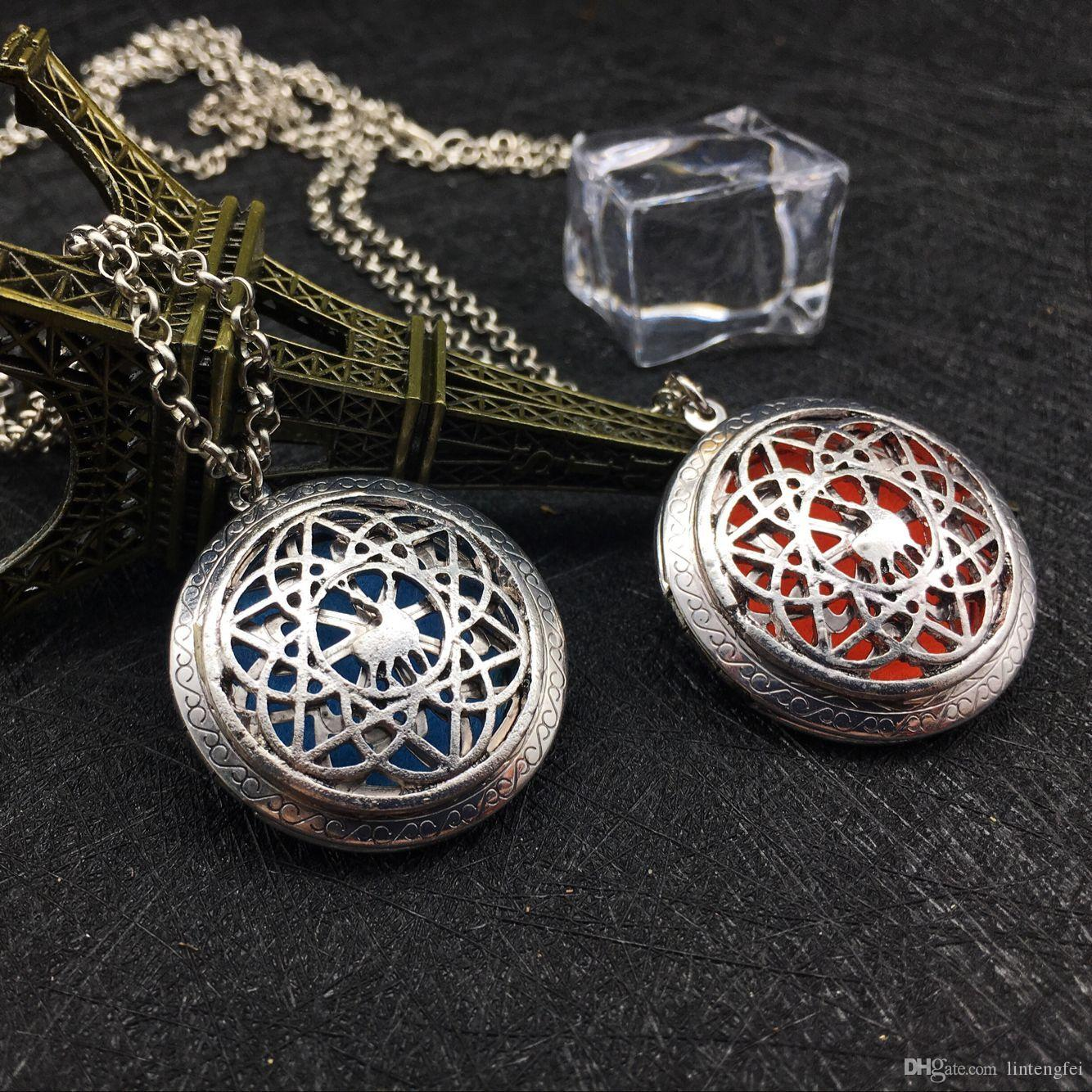 1 package classic style sweater necklace sweater sika necklace aromatherapy essential oil necklace Christmas Can open the photo box
