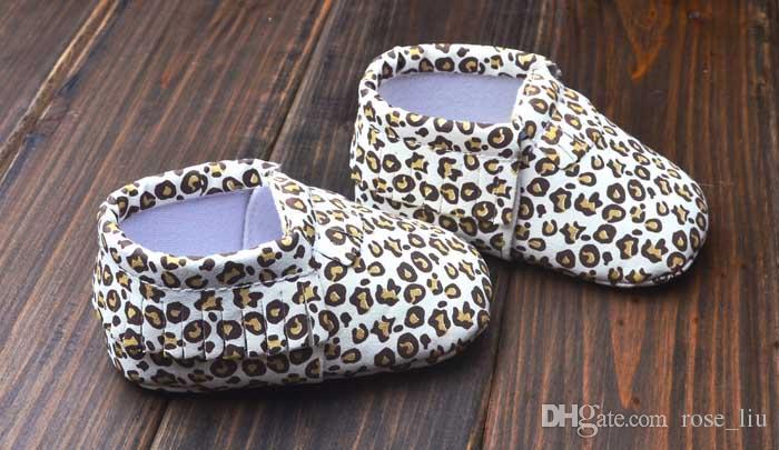 2015 Baby First Walker moccs Baby mocassins à semelle souple moccs en cuir camo léopard prewalker bottillons tout-petits nourrissons arc chaussures en cuir