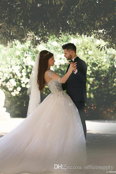 Vestidos De Noiva De lujo con cuentas de cristal de manga larga Vestidos de novia 2019 Sheer Back Tulle Sweep Train Ball Ball Vestido de novia