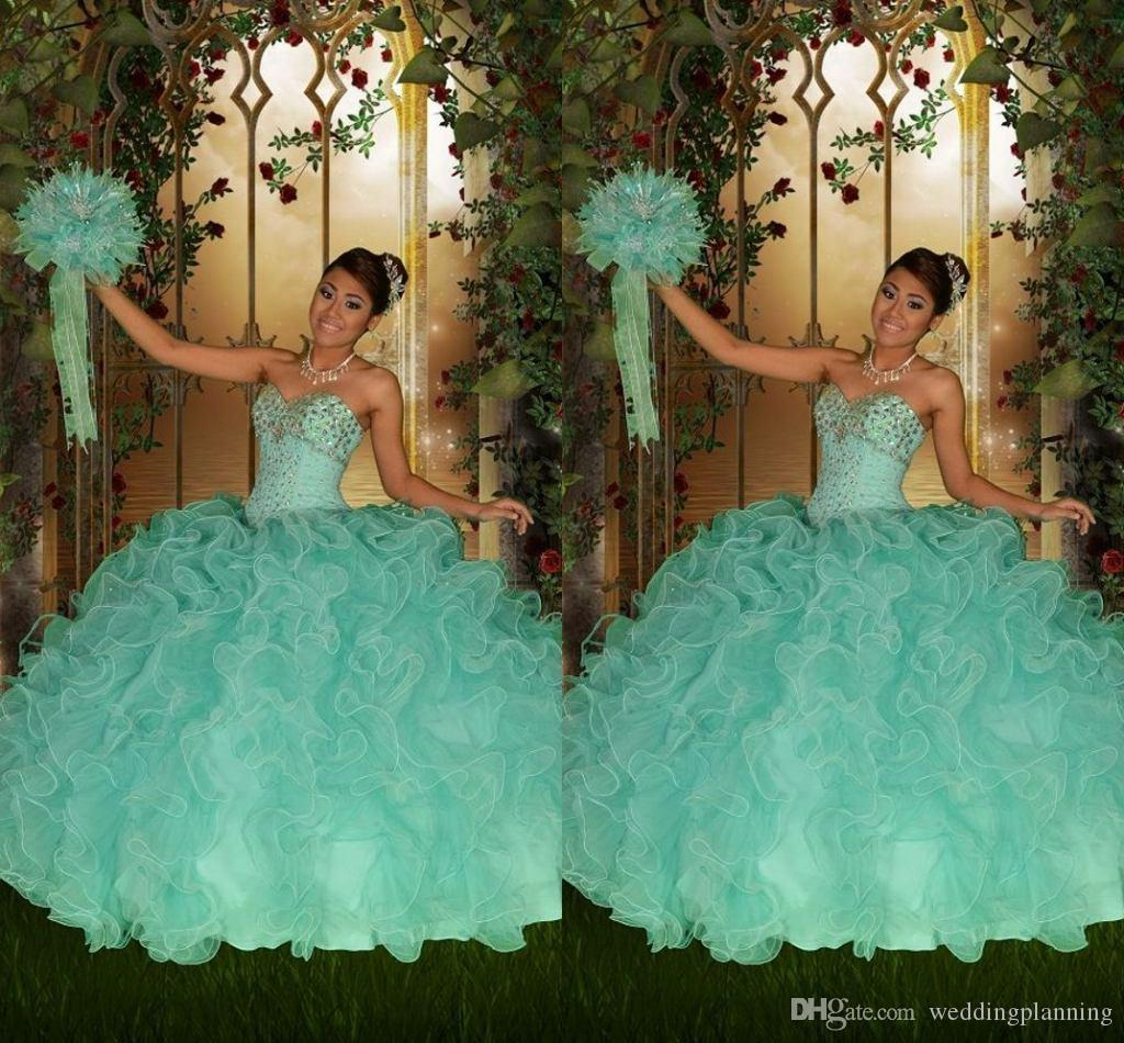 2016 Vintage Mint Green Quinceanera Dresses Ball Gown Sweetheart Lace Up Beaded Crystals Floor Length Tiers 2015 Tulle Formal Prom Dress