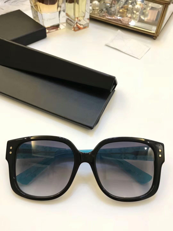 350ab6cb77c Compre Marca Mujer Gafas De Sol Gafas De Sol Para Hombres Marca Gafas De  Sol Para Mujer Gafas De Sol De Diseño Gafas STUDS Lente De Lujo UV400 Con  Caja A ...