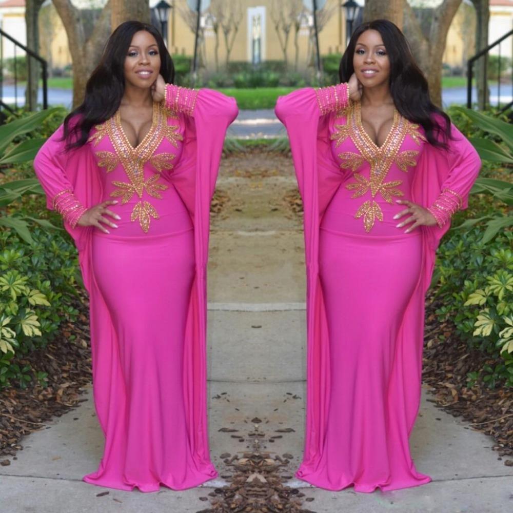 Großhandel 19 Pink Marokkanischer Kaftan Türkische Kleider Mit Langen  Ärmeln Tiefem V Ausschnitt Abendkleider Gold Perlen Arabisch Dubai Prom  Party