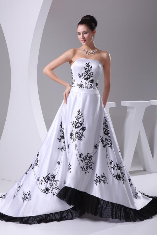 Discount New Design Strapless Black Embroidery Appliques Chapel