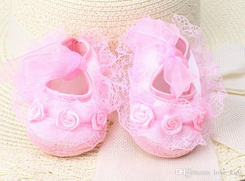 Novo Bebê recém-nascido infantil das meninas bonitos Crochet Lace Flower Lace up Shoes 0-12m prewalker frete grátis