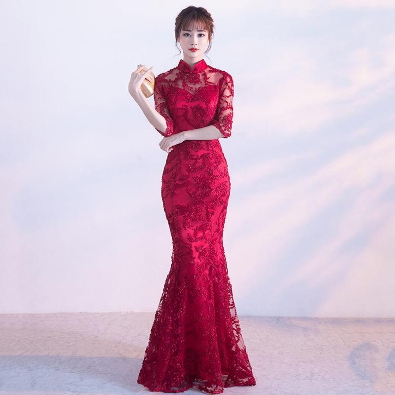 2e45f4c01edc Acquista HYG2 Cheongsam Stile Cinese Tradizionale Ricamo Donne Lungo Pizzo Rosso  Abiti Da Sposa Qipao Alta Qualità Sirena Vestito Da Sera Abito Da Sera A ...