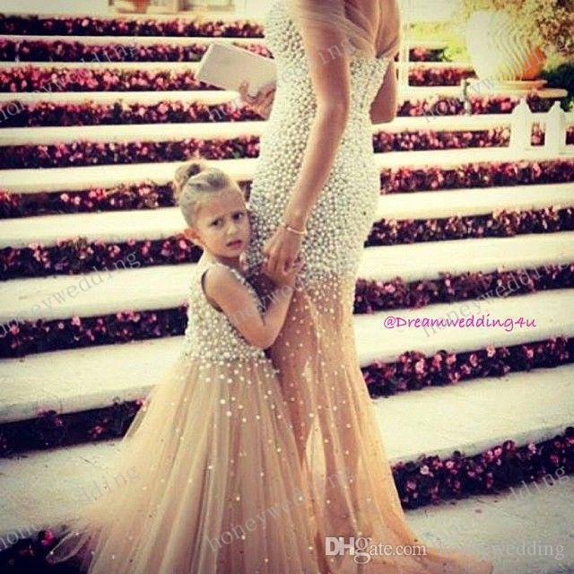 Moda Dresses Custom Make Flower Girl Dress Zroszony Mała dziewczynka Suknie Księżniczka Suknia Matka I Dresy 2019 Nowa Gorąca Sprzedaż