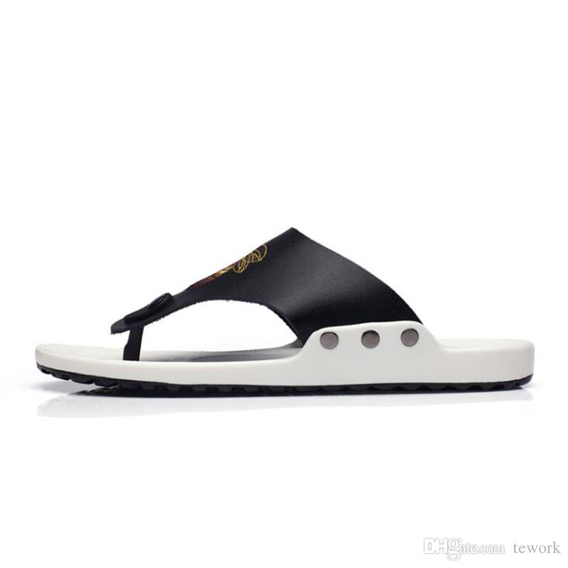 Summer Flip-Flops Men's Sandals Slippers Casual Leather Shoes Genuine Walk Along the Sea Bee Printe Slide Beach Slippers Men's Shoes