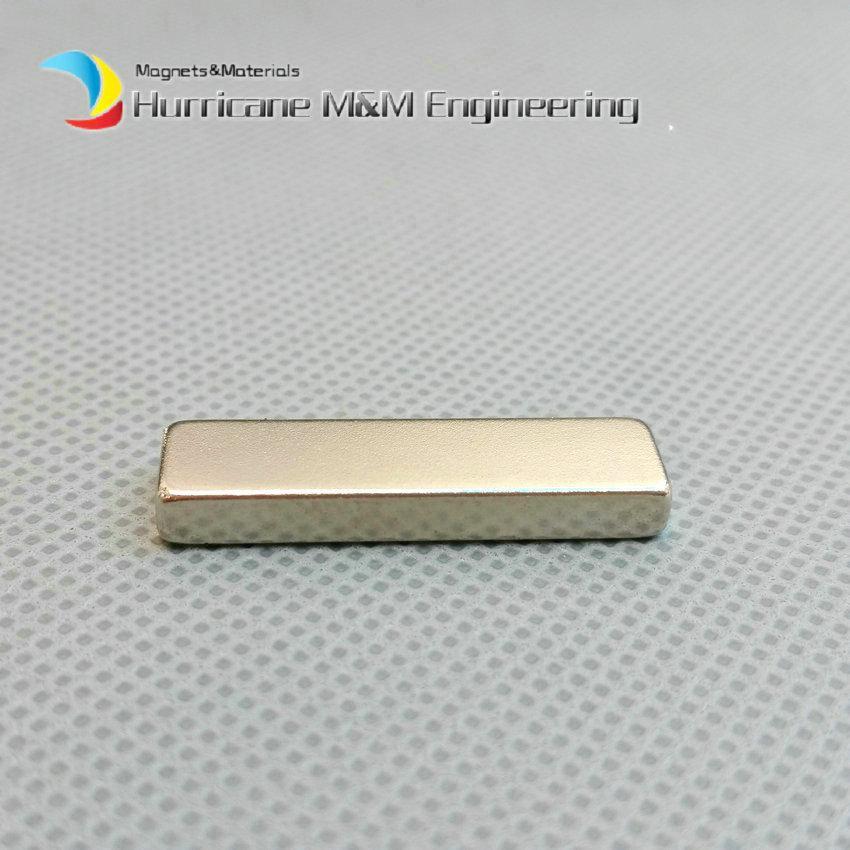 1 Pack N42 NdFeB Bloc Aimant 30x8x4 mm environ 1,18 '' Rectangle Forte Néodyme Rare Terre Permanent Aimant Filtre À Huile Utiliser Utilisation à Domicile