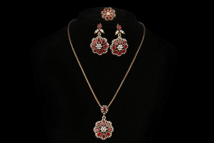 레트로 패션 보석 세트 꽃 모양 루비 목걸이 귀걸이 세트 귀족 우아한 보석 반지 무료 배송