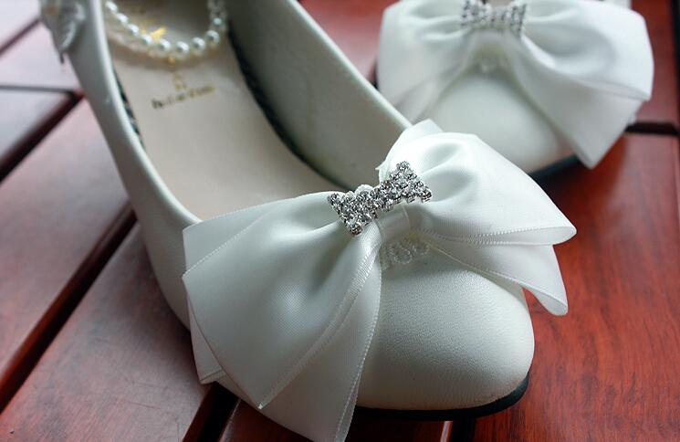Fashion Holy White Wedding Shoes Pear Anklets Applique Bow Rhinestones Various Heels to Choose Walking Graceful Events Bridal Shoes