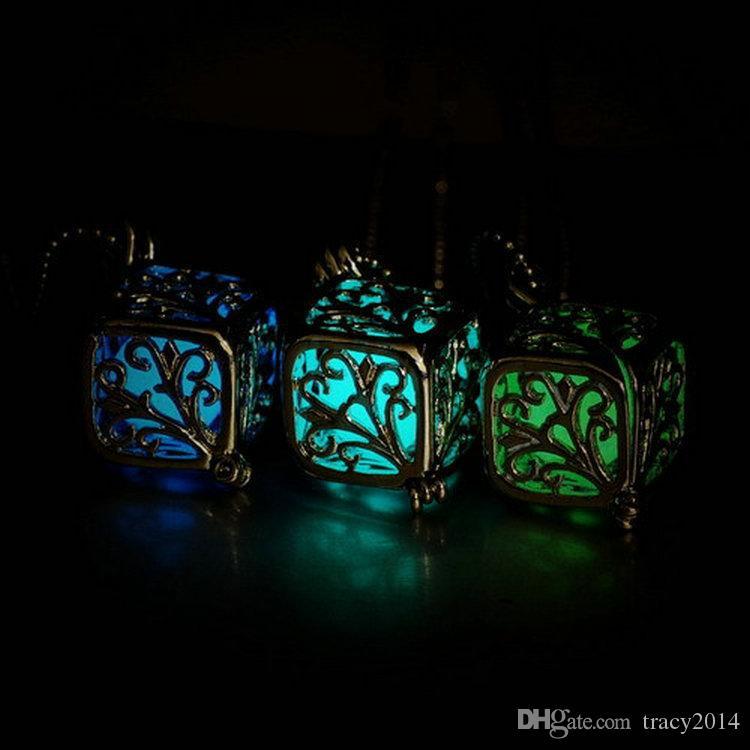 Горячий Шарм полые коробки медальон светятся в темноте дерево жизни кулон ожерелье ювелирные изделия Леди подарок светодиодные квадратные ожерелья завод прямая продажа