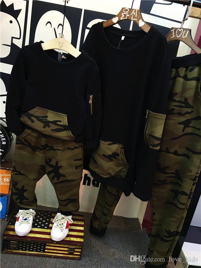 Novo Parent-criança Conjuntos de Roupas Crianças e Meninos Roupas Meninos Roupas de Algodão Hoodies Camuflagem calças Conjunto de Roupas Família Combinar Outfits