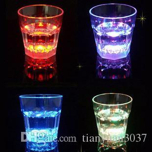 Frete grátis LED tiro de vidro piscando copos de vidro luminosa festa de aniversário do Dia das Bruxas Chirstmas presente decoração copo de vinho copo de cerveja