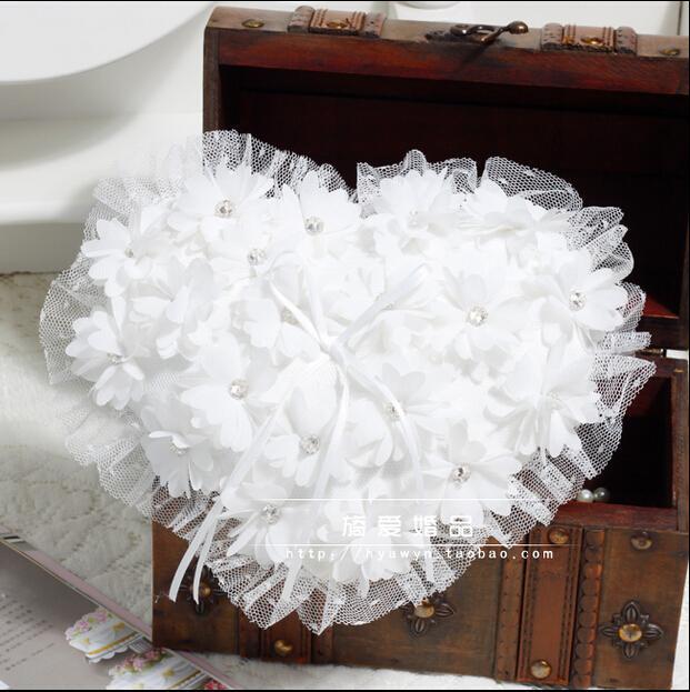 Hartstijl zoete witte parels bloemen kant ring pliiows kristal luxe bruiloft bruids en bruidegom ringen kussen