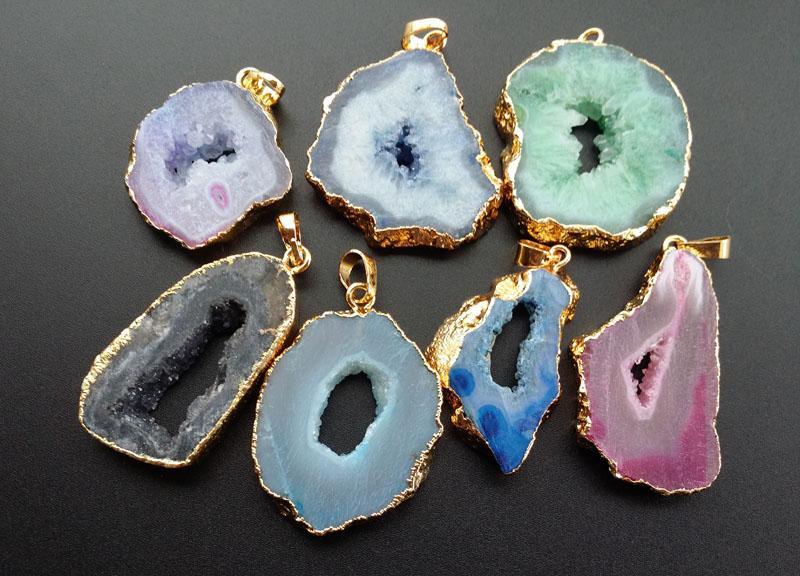 5 pçs / lote natureza druzy irregular geode quartzo, drusy cristal gem ágata pedra tingida cores diy pingente, charme jóias fazendo sb25-30