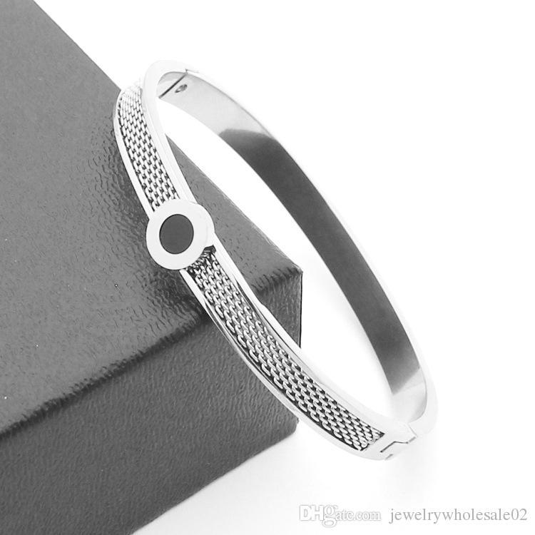 Korean titanium steel brand jewelry wholesale bilateral network round black shell bracelet 18K Gold Korean women's bracelet