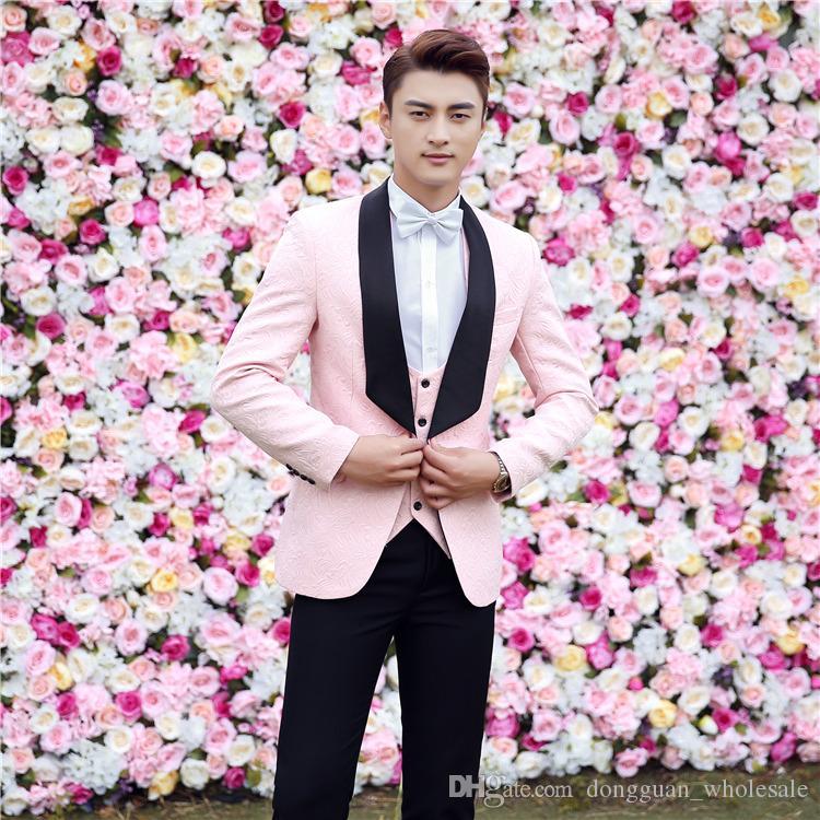 Jaquetas + Calça + Coletes Ternos de Luxo dos homens Noivo Groomsman Vestido de Negócios Terno Calças de Casamento Homens Verão Slim Fit Prom Homens Ternos Cor De Rosa 2018