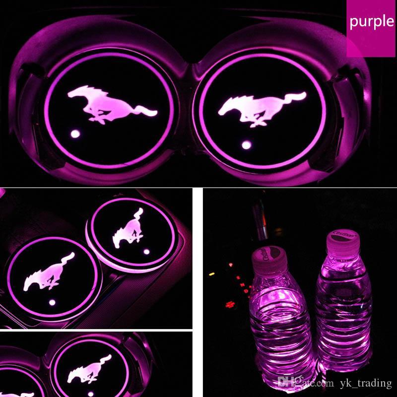 / set Ford Mustang logo distintivo dell'automobile ha condotto Acqua Brillante tazza del rilievo Groove Mat luminoso Coasters Atmosfera Luce