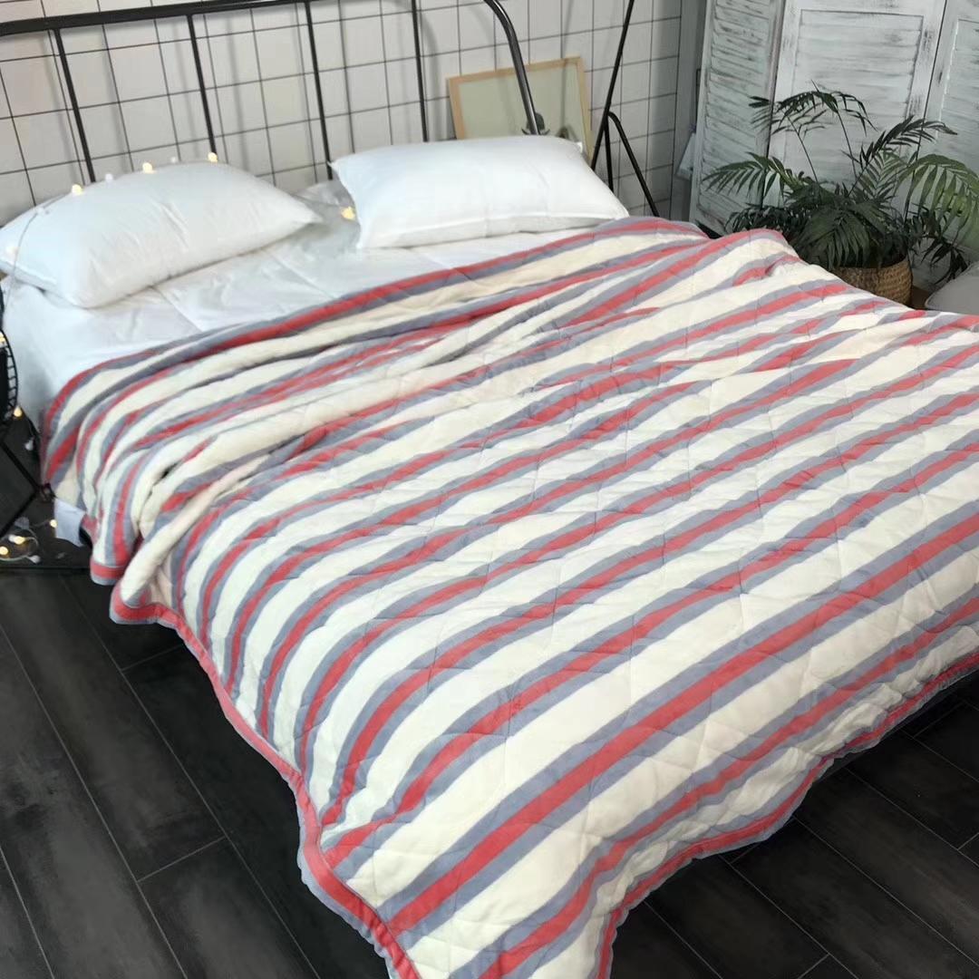 نسيج الفانيلا بطانية مع مجهرية ملء دافئ وظيفة الشتاء حجم بطانية 200 * 230cm قطاع تصاميم 2.70kgs الوزن 1826 مينغ يانغ
