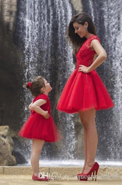 2019 Vintage Red Mother and Daughter Dresses Jewel Lace Capped Sleeves Fower Girl Dress Tulle A Line Short Princess Party Gowns