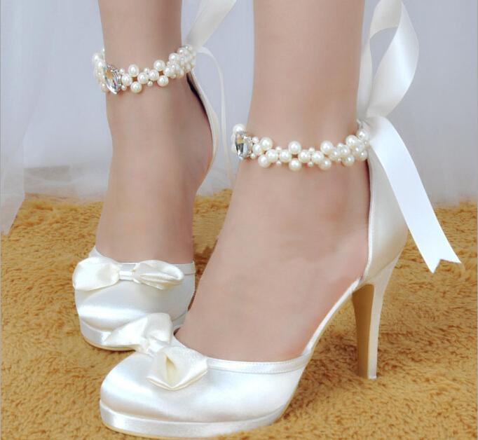 Neue weiße Satin Braut Hochzeit Schuhe mit Perlen Fußkettchen Strass High Heels Prom Abend Party Schuhe nach Maß Brautschuhe mit Bogen