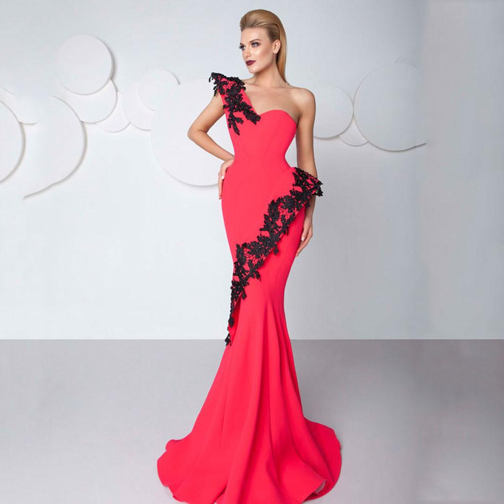 2018 Sexy Red Mermaid Prom Klänningar En Shoulder Sweep Train Women Evening Gowns Applique Lace Made In China Elegant Party Gown