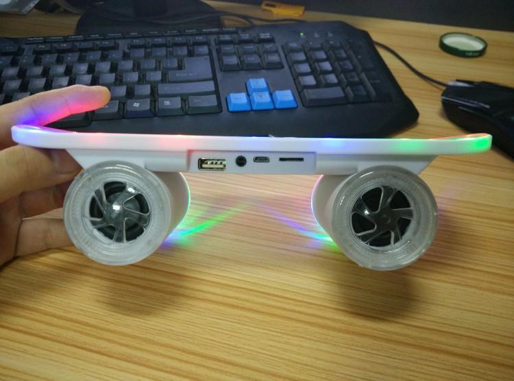2015 New arrival Skateboard Bluetooth Wireless Speaker Mobile Audio Mini Portable Speakers with Led Light DHL