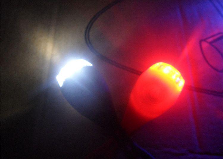 Siliconen Bike Fiets Cycling Head Front Achterwiel LED Flash Bicycle Light Lamp Zwart / Rood omvatten de batterij Gratis verzending