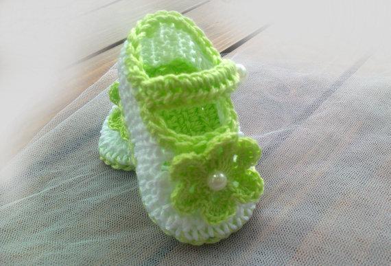 Crochet baby girl shoes crochet baby shoes, white light green 0-12M custom