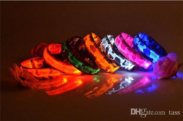 Grosshandel Camo Hund Led Halsband Pet Glow Halsbander Flashing Nylon Light Up Sicherheitshalsband Fur Hunde 8 Farben Grosse S M L Xl Von Tass 1 29